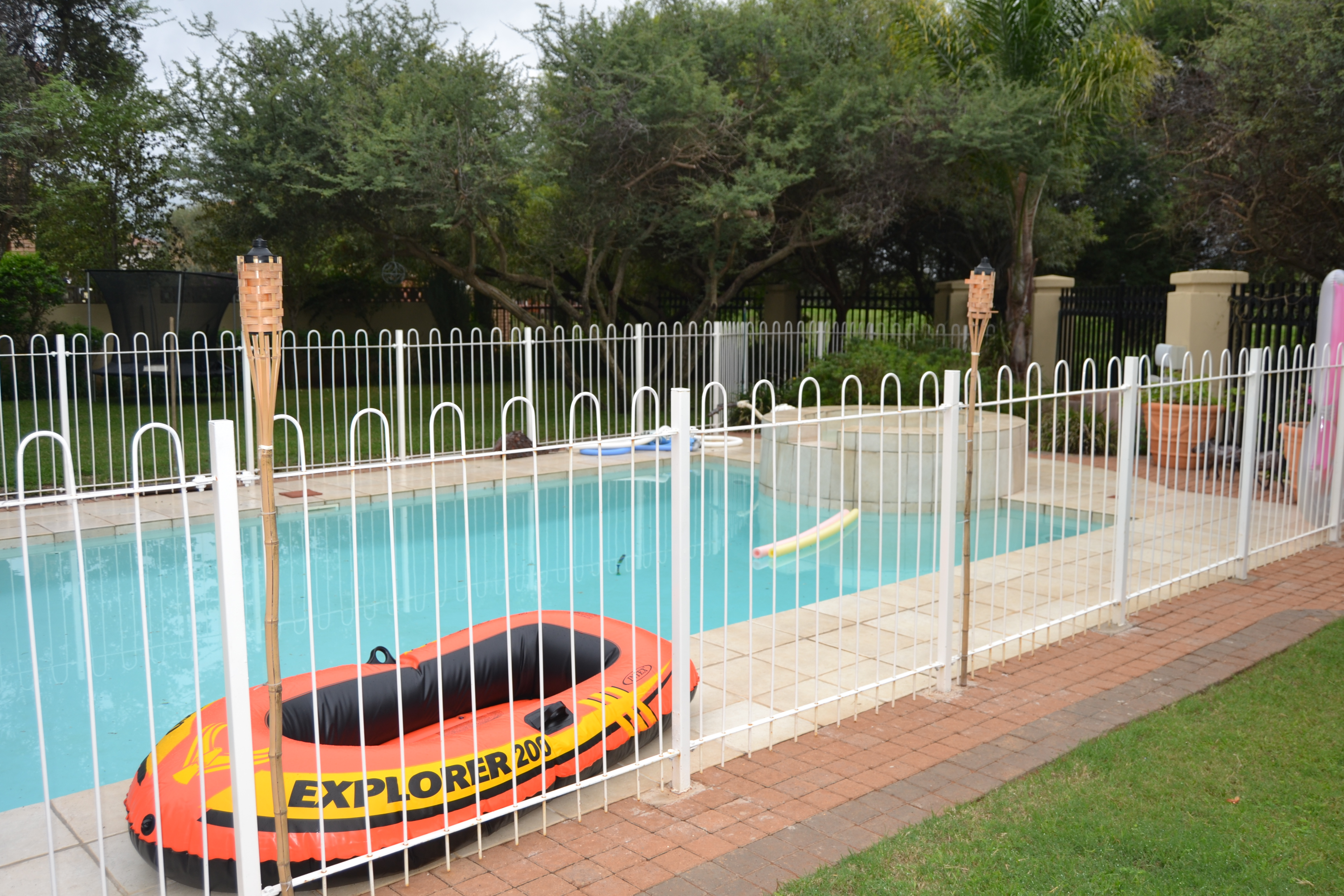 Swimming Pool Fencing Images 28 Images Swimming Pool Fence Ideas Swimming Pool Glass